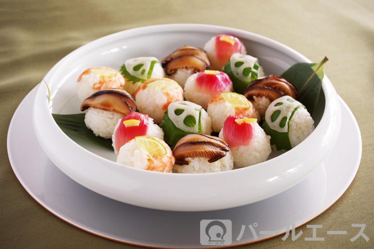 お祝い手まり寿司